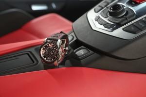 Rosso e nero per auto e cronografo